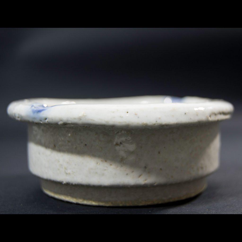 Perfil cenicero hecho a mano en Galicia. Esmalte transparente. Dimensiones 10x10x4 cm