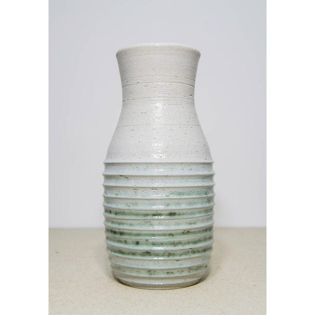 Jarrón blanco y verde de cerámica, pieza única. Hecho a mano, decoración para sala de estar y centros de mesa. Juego de dos unidades