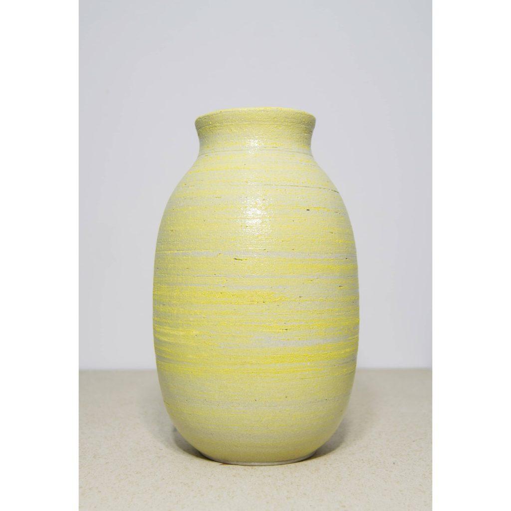 Jarrón amarillo de cerámica, pieza única. Hecho a mano, decoración para sala de estar y centros de mesa. Juego de dos unidades